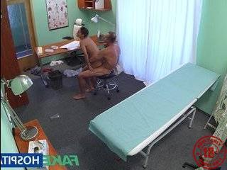 Русскую телочку запикапил чернокожий