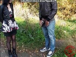 Пикапы разводят студенток на секс на улице