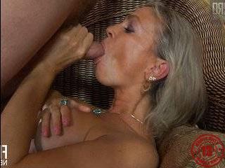 Порно пикаперы со зрелыми тетками